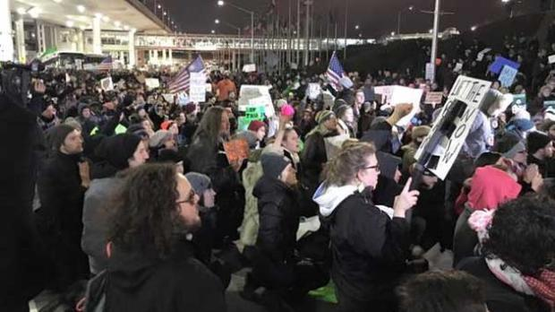 protest-at-ohare